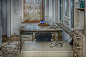 dreckiges Büro